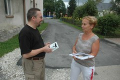 Předání plakety paní Boškové z Kobylé.
